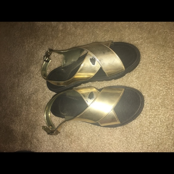 Shoes One Strap Rubbed The Paint Off The Other Poshmark - How to get paint off shoes
